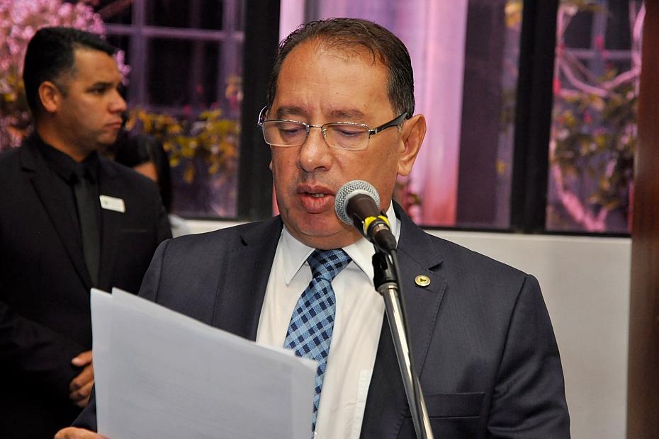 Na estreia como líder, Gerson diz que vai dialogar com blocos e oposição
