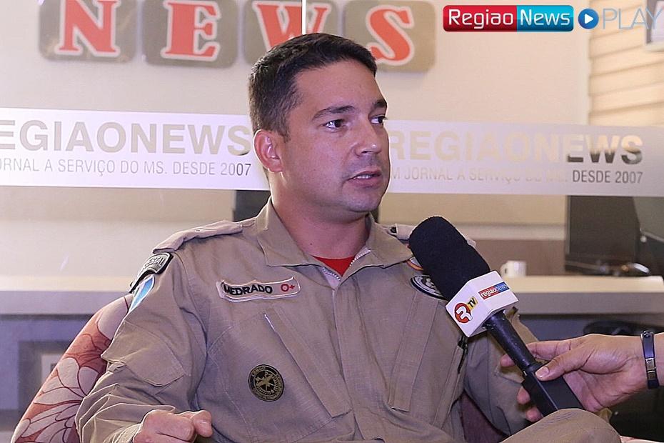 Comandante dá detalhes de resgate do jovem que ameaçou se jogar de prédio
