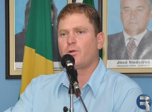 José Manoel solicita recuperação de ruas em Deodápolis