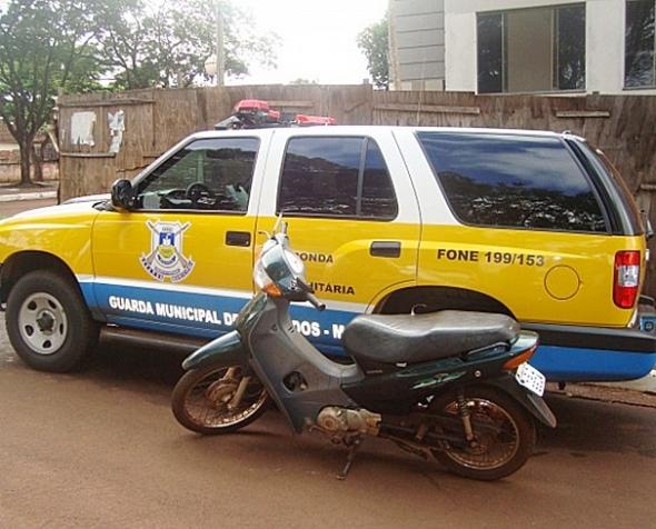Guarda recupera moto furtada em clube de Dourados
