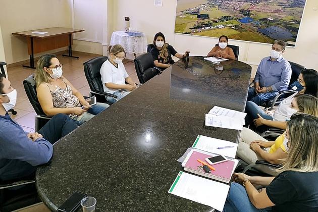 Prefeitura realiza reunião com diretoria da Unidade JBS de Sidrolândia para tratar sobre o Covid-19