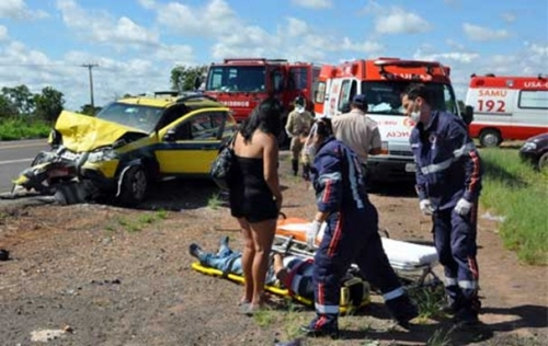 Batida de carros deixa 6 feridos em Campo Grande
