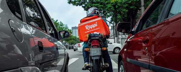 Aplicativos devem garantir assistência a entregadores de alimentos