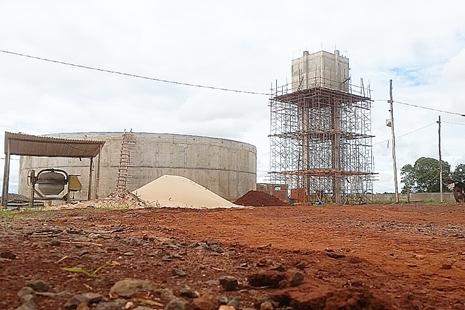 Reservatórios em construção no Nova Era devem ficar prontos em 60 dias