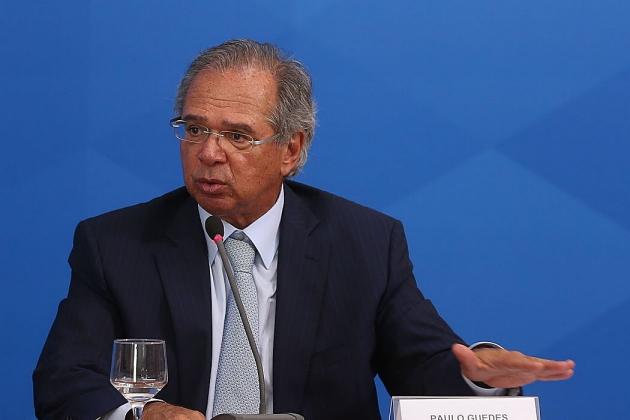 Guedes diz que país mantém determinação de furar ondas da crise