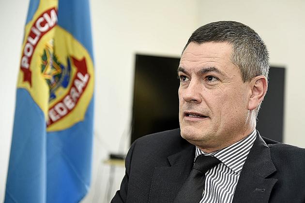 Bolsonaro exonera Valeixo do comando da PF e Moro é surpreendido