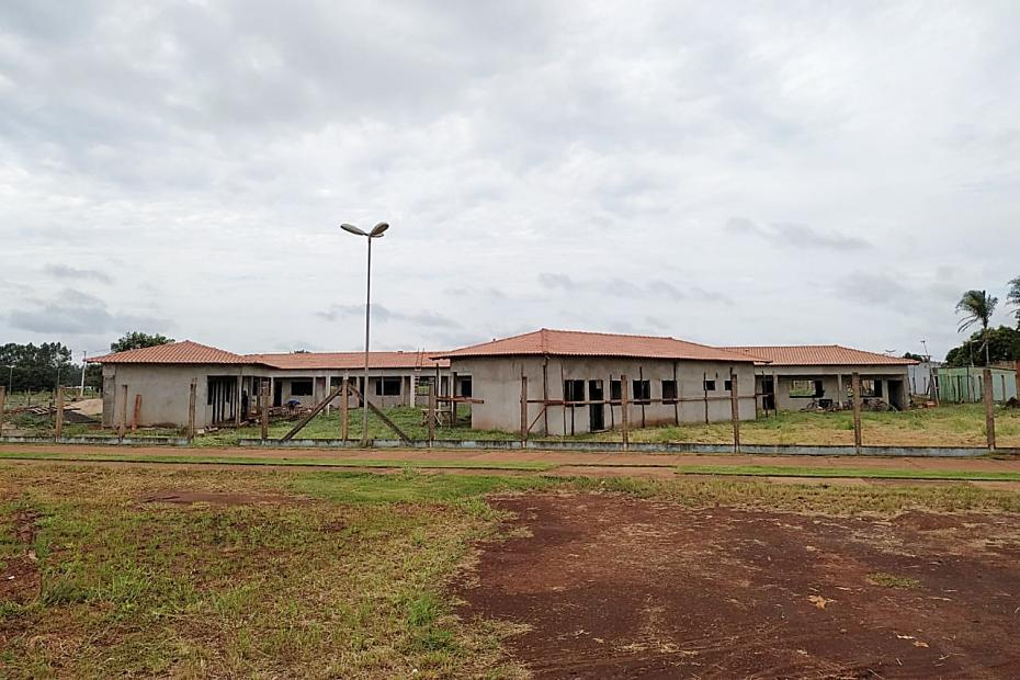 Obra da escola no Jardim Paraíso recebe cobertura