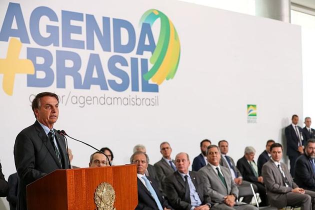 Tivemos o melhor semestre desde 2013, diz Bolsonaro sobre o PIB