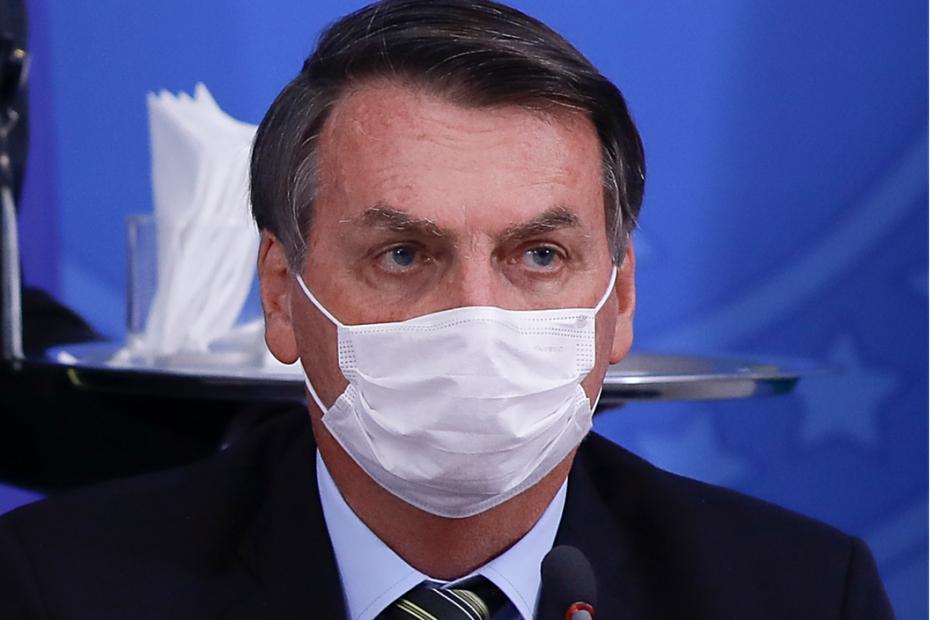 Bolsonaro anuncia resultado positivo de teste de Covid-19 e diz que está perfeitamente bem