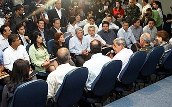 André reúne 14 prefeitos e pede ao ministro ajuda para recuperar estragos da chuva