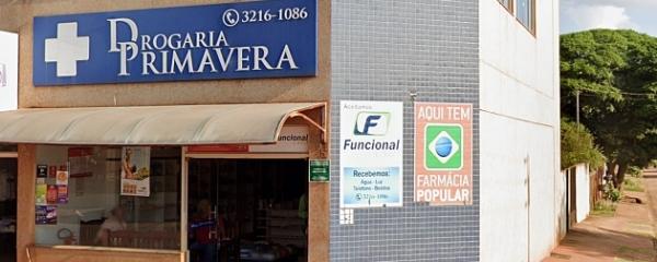 Marginais entram em farmácia, rendem clientes, funcionários e levam R$ 1 mil