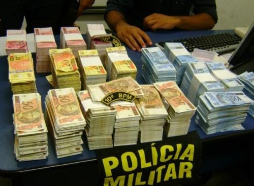 Boliviana é flagrada com R$ 1 milhão em notas falsas