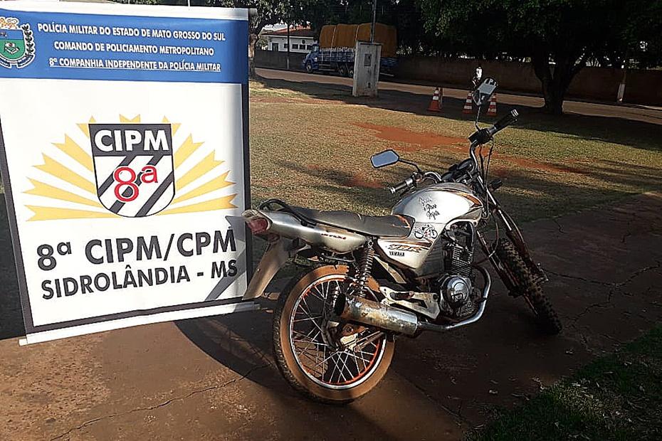 Adolescente de 16 anos é apreendido com moto furtada em frente ao Brizola