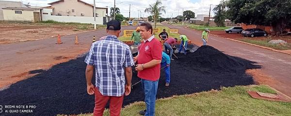 Prefeitura aplica pavimento em trecho de novo acesso ao Paineiras