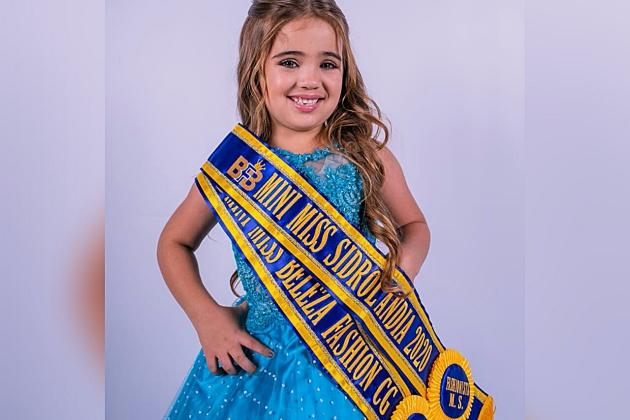Aos 5 anos, Maria Clara é eleita Mini Miss Sidrolândia em seletiva online