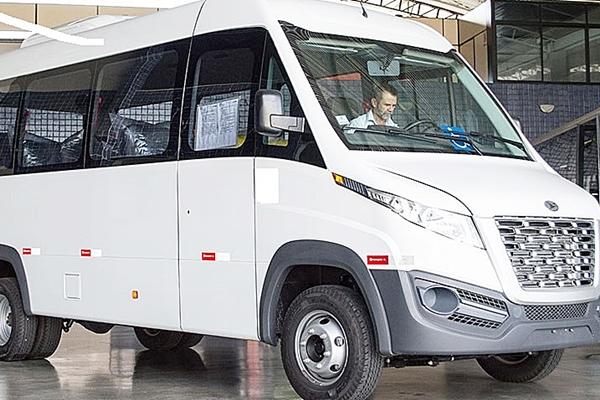 Prefeitura compra micro-ônibus para transporte de pacientes