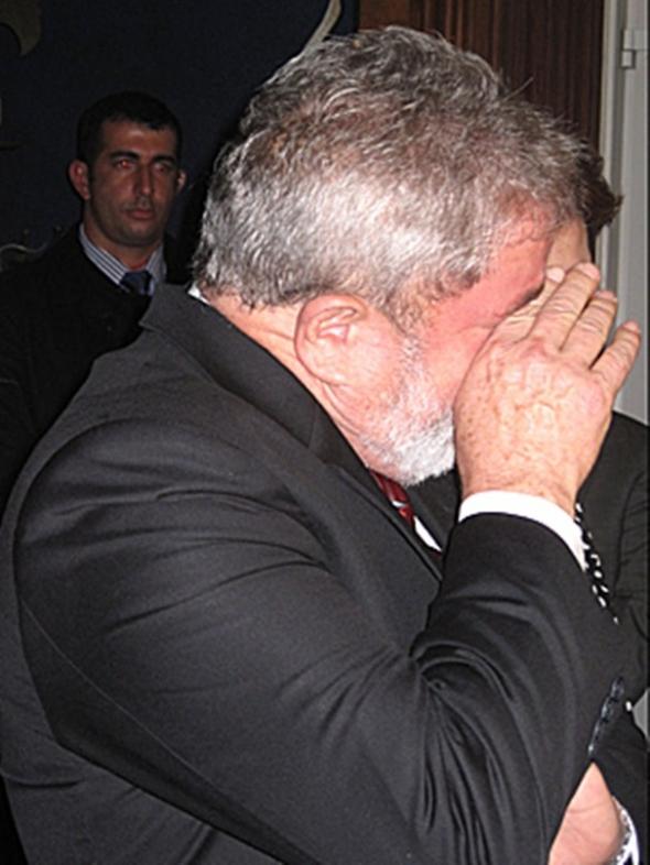 Lula se emociona e chora ao falar da morte de José Alencar