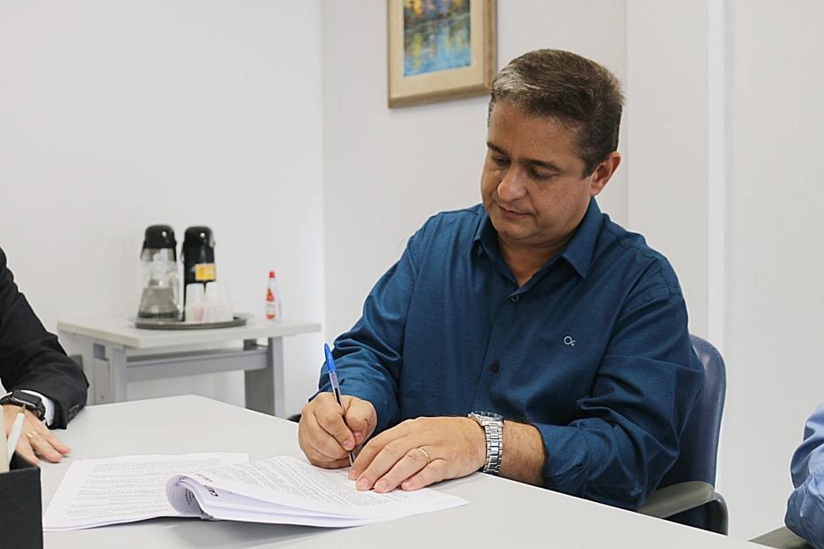 Prefeitura assina empréstimo de R$ 11,5 milhões junto ao Finisa