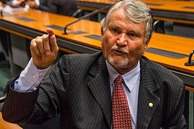 Com problemas de saúde, Zeca do PT deixa presidência do partido