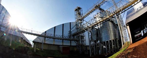 Indústria chinesa instalada em Maracaju vai produzir plástico a partir do amido de milho