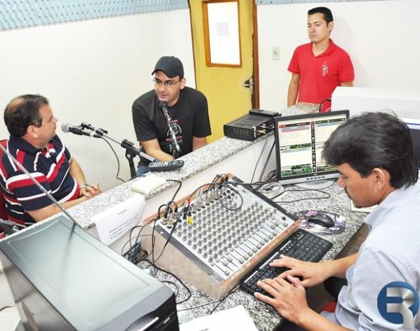 Dr. David de Olindo, entrevista Jean Nazareth em programa de rádio