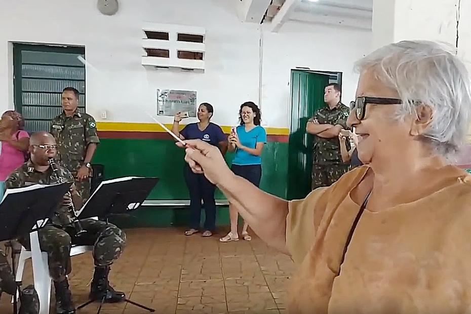 Exército vai deixar legado de serviços prestados e resgate do sonho de infância de dona Terezinha
