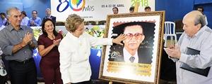 Seu Uru', homenageado na abertura da Expogrande com selo comemorativo da 80ª edição
