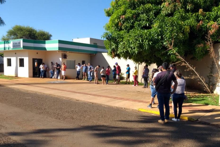 População faz filas no Detran por serviços que estão com prazos suspensos