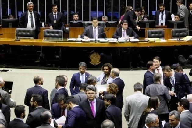 Congresso vota na terça-feira vetos de Bolsonaro sobre regras eleitorais