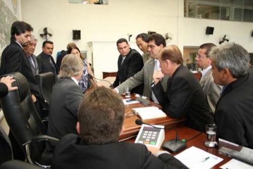 Vereadores afastados custam R$ 334 mil aos cofres públicos