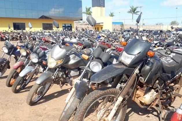Detran-MS realiza leilão de 153 motos e nove carros em condições de uso