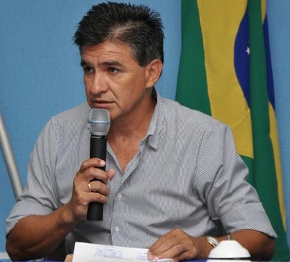 Paulinho solicita Postes de concreto a enersul