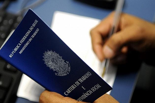 Brasil cria 408 mil empregos formais no 1º semestre, maior saldo em 5 anos