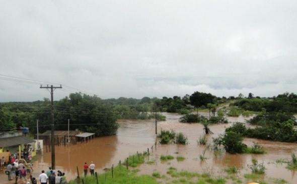 Chuva deixa zona rural em situação crítica em Ribas do Rio Pardo