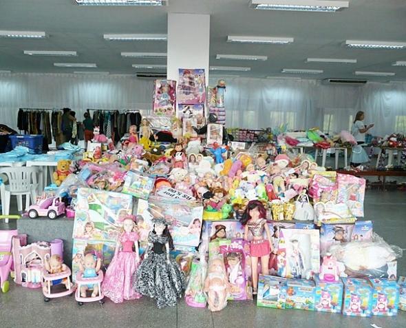 """Hoje tem """"Bazar de brinquedos da APAE"""