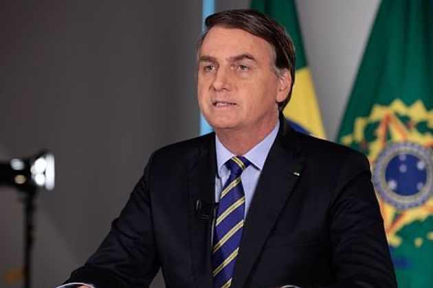 Mal-estar na ala militar do governo com presença de Bolsonaro em ato contra a democracia e que causou aglomeração