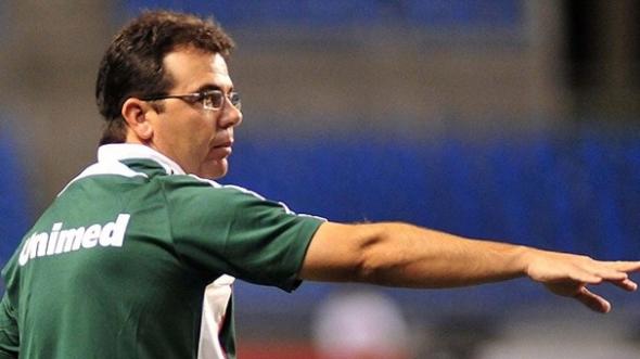Estrela, calma e humildade: Enderson estreia com o pé-direito no Tricolor