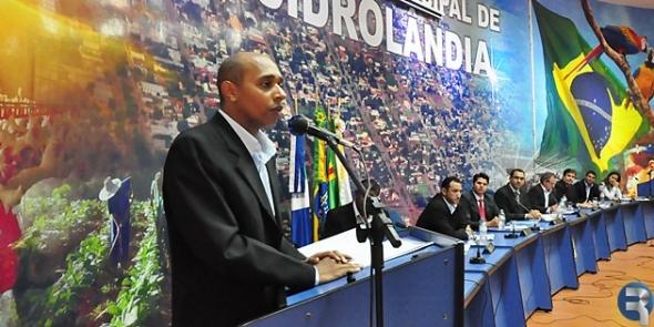 Dr. Jurandir foi empossado vereador na Câmara Municipal de Sidrolândia