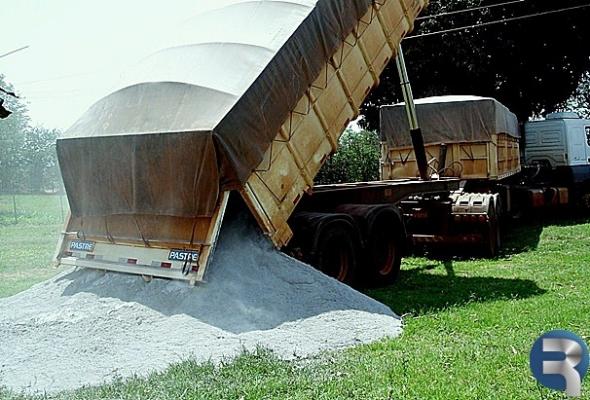 Arceno viabiliza 200 toneladas de calcário para produtores de Glória de Dourados