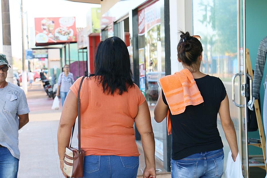 Comércio amarga até 40% de redução nas vendas, mas aposta em recuperação com Dia das Mães