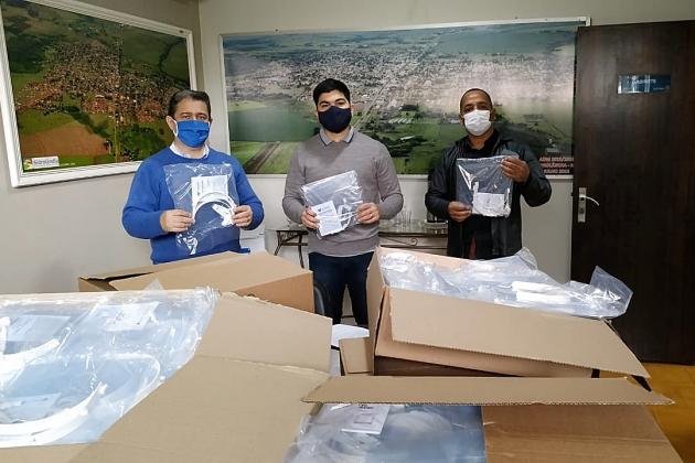 Parceria garante doação de protetores faciais para servidores da saúde e segurança