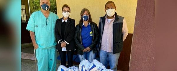 Hospital faz doação de máscaras e álcool em gel para entidade de assistência a pacientes com câncer