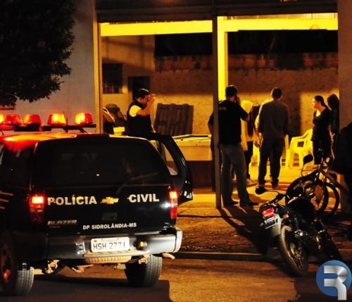 Boate é fechada e veículos são apreendidos em ação policial no centro de Sidrolândia