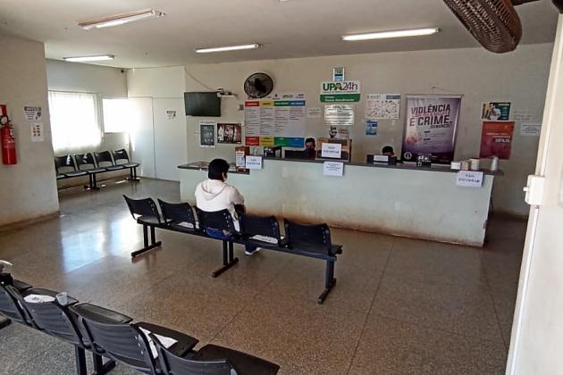 Covid-19 esvazia postos, hospital e cria fila de espera de 100 cirurgias