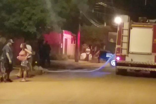 Corpo de Bombeiro é acionado após princípio de incêndio em quitinete no Pindorama