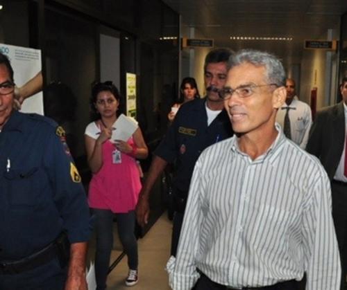 Siqueira se apresenta à Justiça, após ficar foragido desde novembro