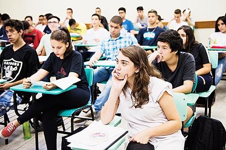 Novo currículo do ensino médio exigirá mudança na formação do professor