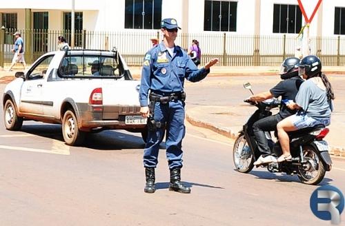 Polícia Militar reforça fiscalização no trânsito em Sidrolândia