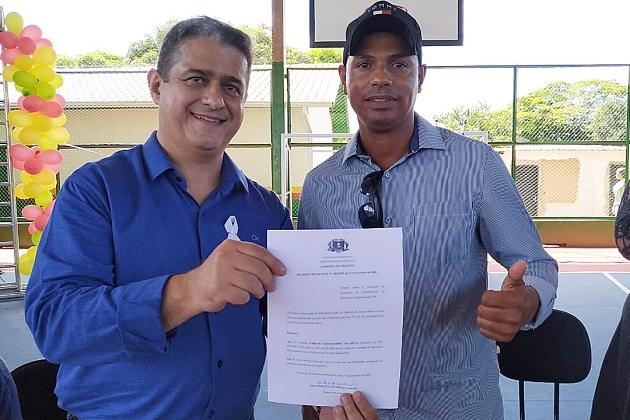 Prefeito assina nomeação de Carlos Alessandro para comandar a Secretaria de Infraestrutura