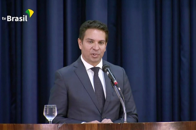 Ministro do STF suspende nomeação de Alexandre Ramagem para o cargo de diretor-geral da PF